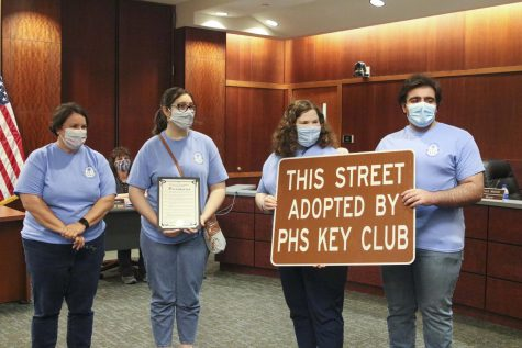 Mayor recognizes Key Club and school staff